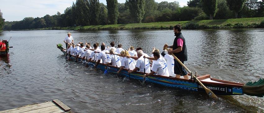 Učitelé a studenti na jedné lodi